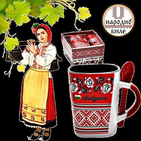 Керамична чаша с българска шевица