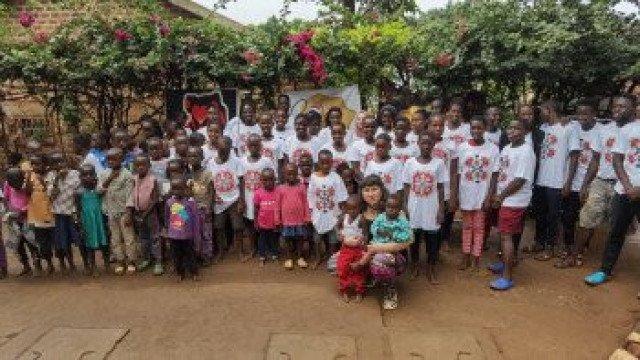 Африканчета учат и пеят български песни!